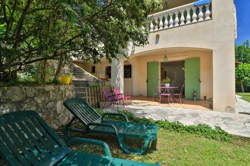 Apartment with mountain view, holiday rental in Greolieres