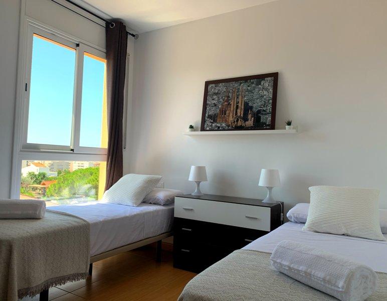 Dorada Private Apartments - Swimming Pool & Sea Views, aluguéis de temporada em Calafell