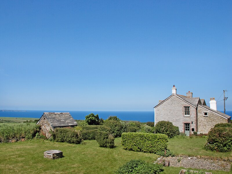 Downhouse, holiday rental in Trebarwith