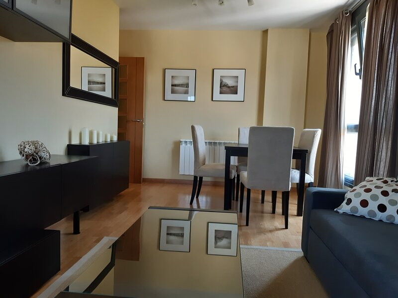 Nice apartment with terrace, vacation rental in Puerto de Vega