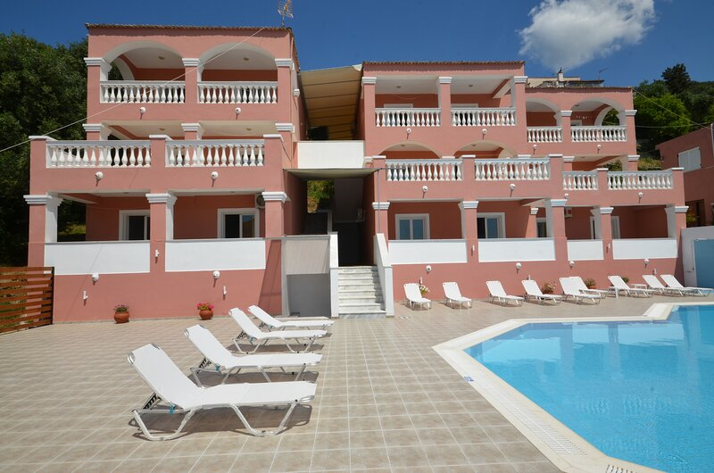 Corfu Poolside Paradiso-Fully Equipped Retreat, vacation rental in Ipsos