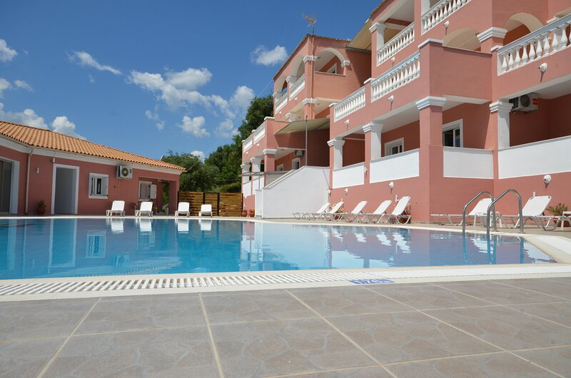 Corfu Poolside Paradiso-Fully Equipped Studio, vacation rental in Ipsos