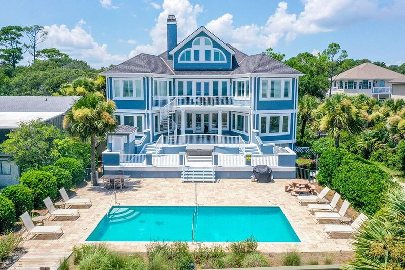 23 Dune - Mimi's Place - Private Beach Access, Large Pool, Giant Pool Deck, location de vacances à Hilton Head