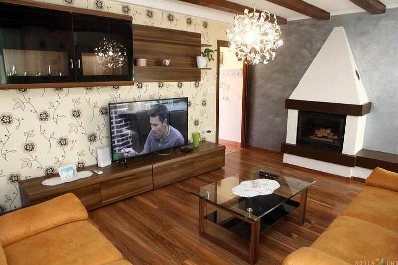 Center of Capodistria House TIKO, holiday rental in Marezige