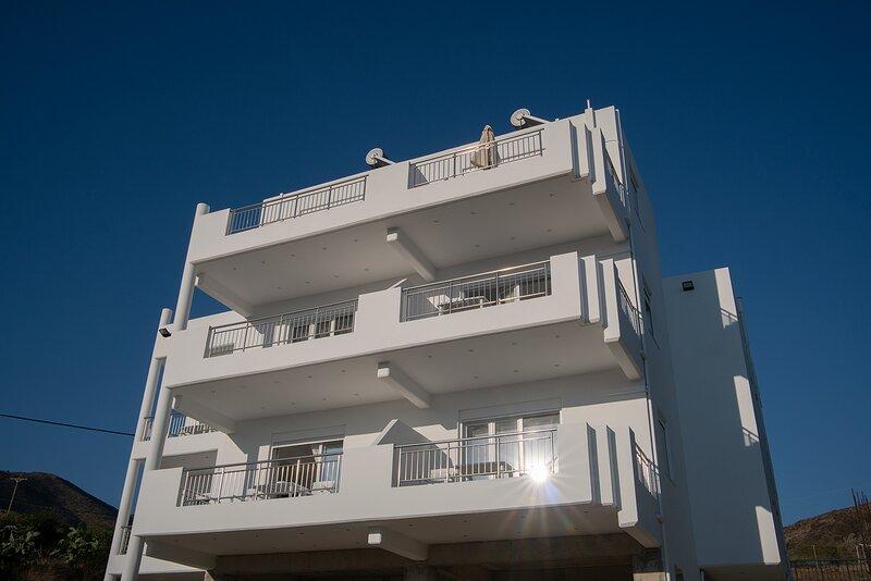 Odysseas Apartments, Diskos, vacation rental in Lentas