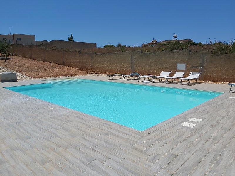 Big villa with swimming-pool & Wifi, location de vacances à Granitola