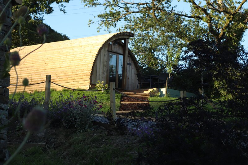 Cilsane Lodges-Towy with hot tub, casa vacanza a Llangadog