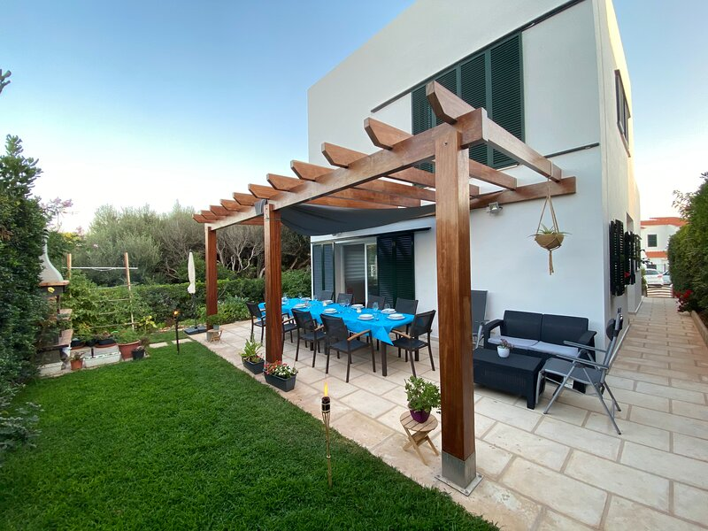 PRECIOSA VILLA EN PUNTA GROSSA, holiday rental in Cala d'Alcaufar