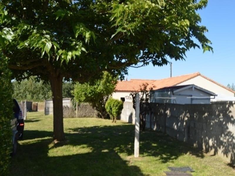 St Gilles - maison sur beau terrain clos et arboré avec stationnement, location de vacances à Givrand