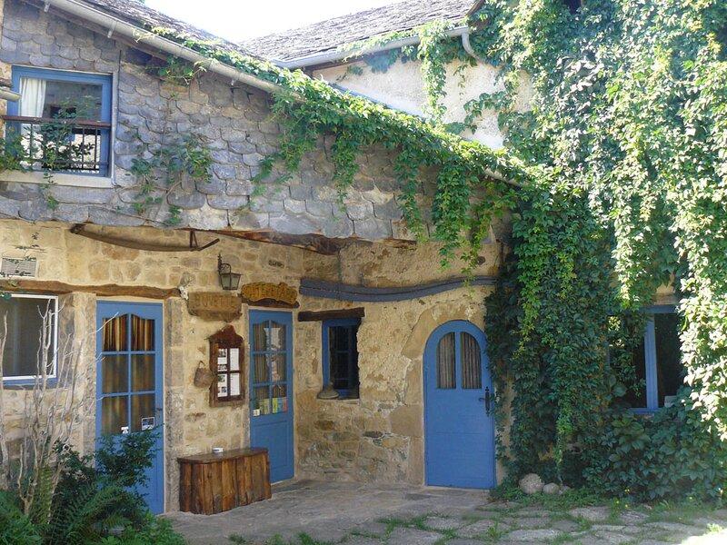Gite d'étape et gites ruraux, Gorges de la Dourbie, entre Causses & Cévennes, aluguéis de temporada em Alzon