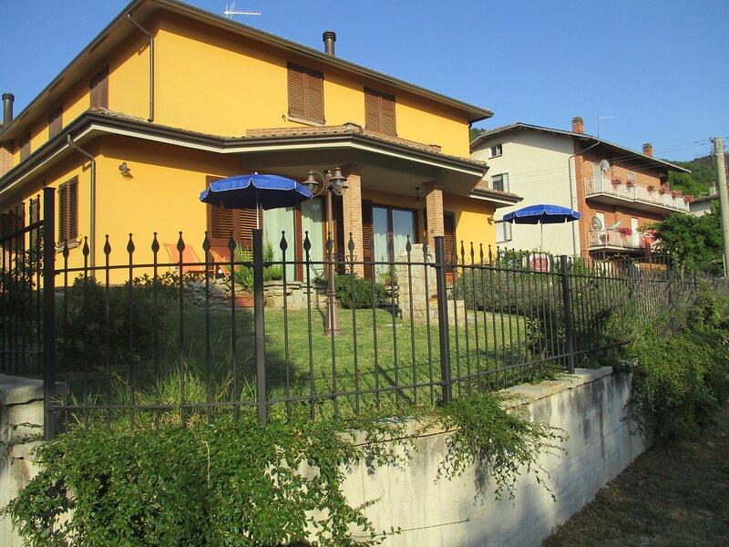 CASA VACANZA IL RISVEGLIO DEI SENSI (ANTISISMICA)., vacation rental in Sigillo