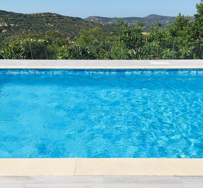 Vila Zeta - Cozy and Relaxing Atmosphere in central Algarve, location de vacances à Sao Bras de Alportel