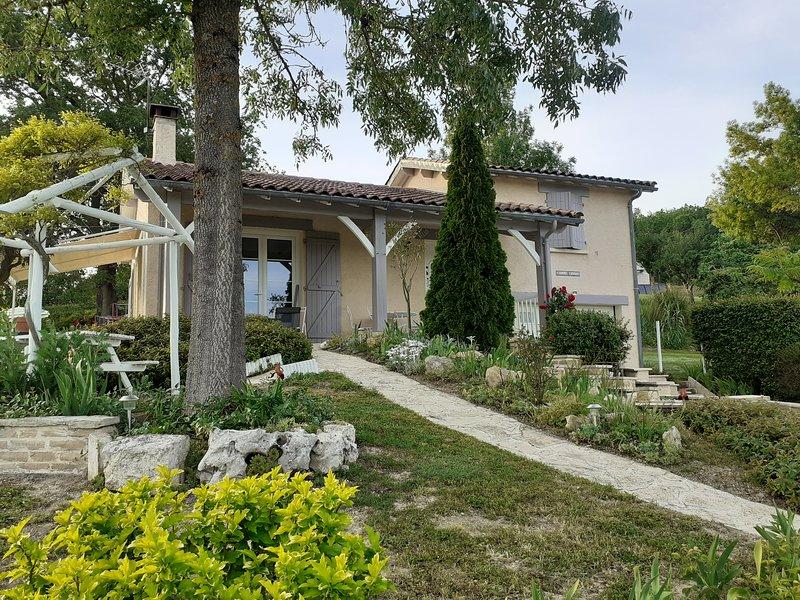 Nice house with terrace & Wifi, location de vacances à Saint-Daunès