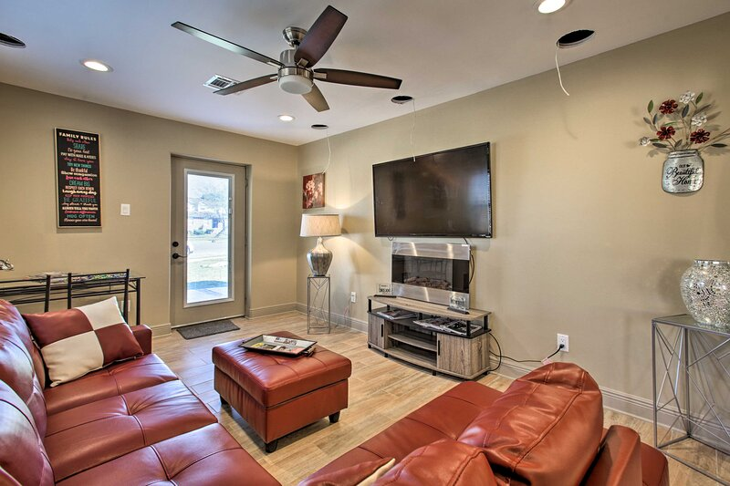 NEW! Contemporary NOLA Home - Walk to City Park!, holiday rental in Metairie