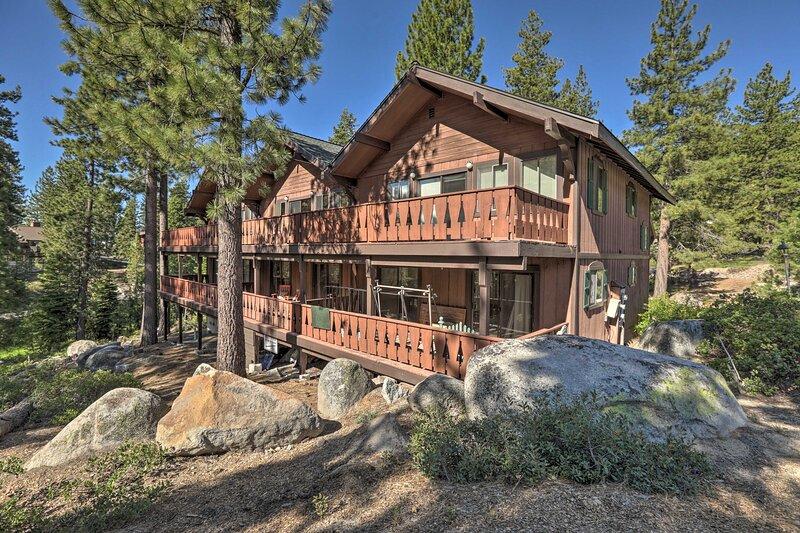 NEW! Incline Village Retreat: Walk to Diamond Peak, holiday rental in Carson City