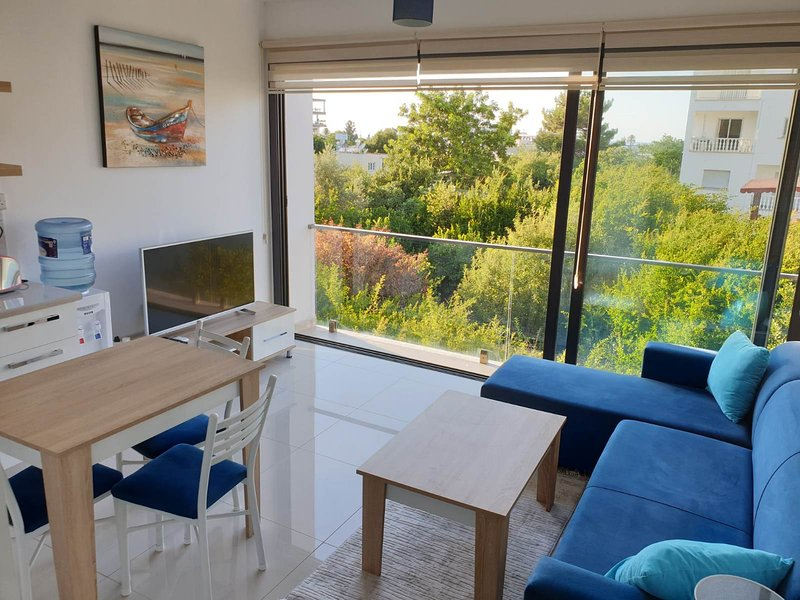 Netflix Included Brand New Apt in Kyrenia Center B5, vacation rental in Dogankoy