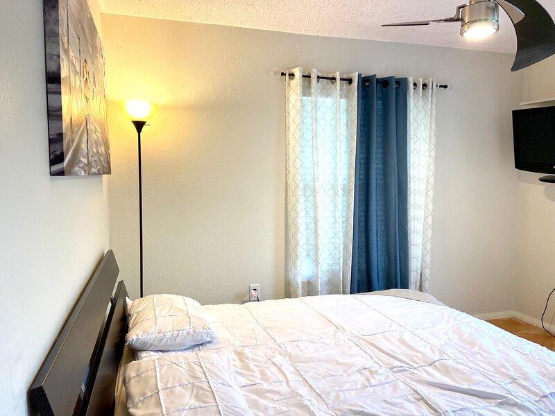 Modern & Homely Private Guest Suite, aluguéis de temporada em Southport