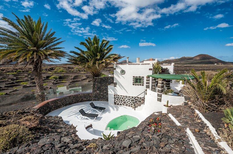 Un Oasis en medio del Volcán!, vacation rental in El Islote