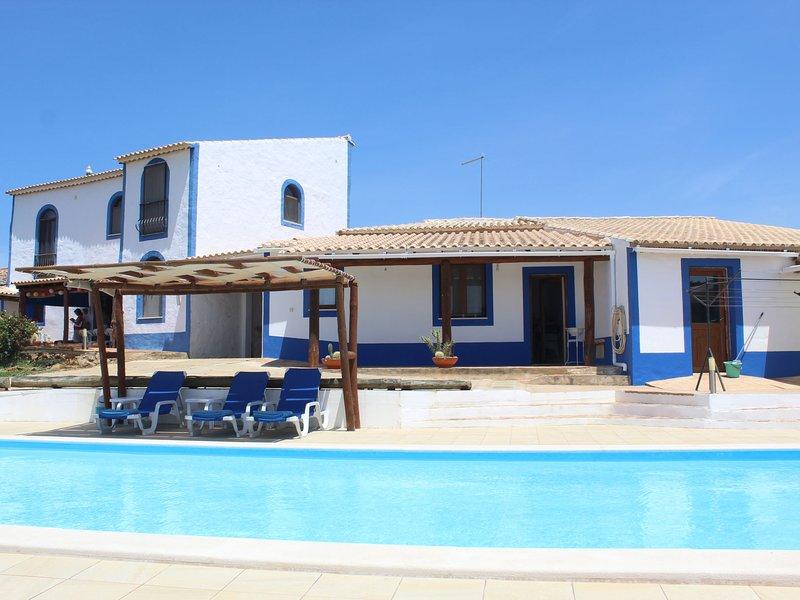 Dos Tituetos (ILE110), vacation rental in Nora