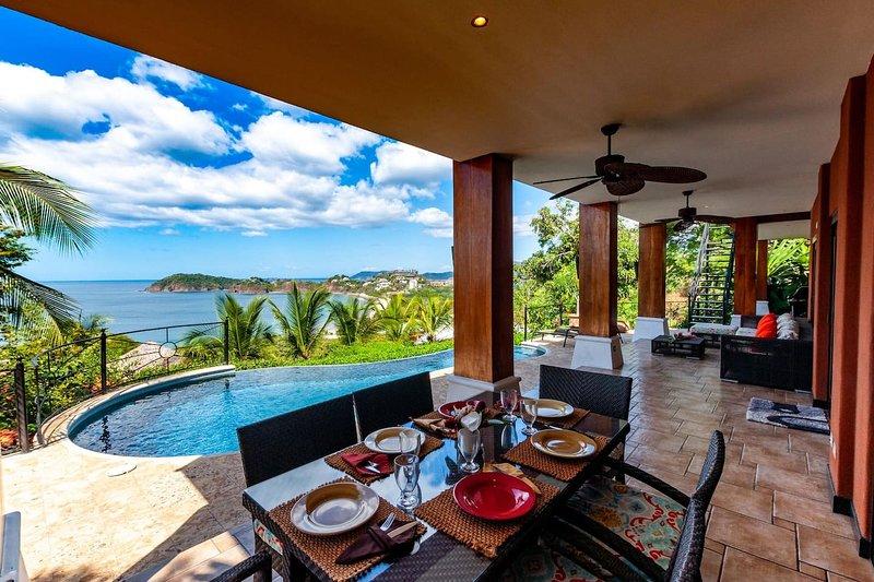 3-bedroom villa with pool - party deck and sweeping ocean views, holiday rental in Playa Prieta