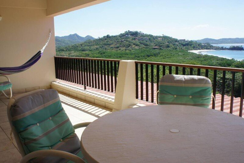 Nice 2 level condo with ocean view - ideal for families, holiday rental in Playa Prieta