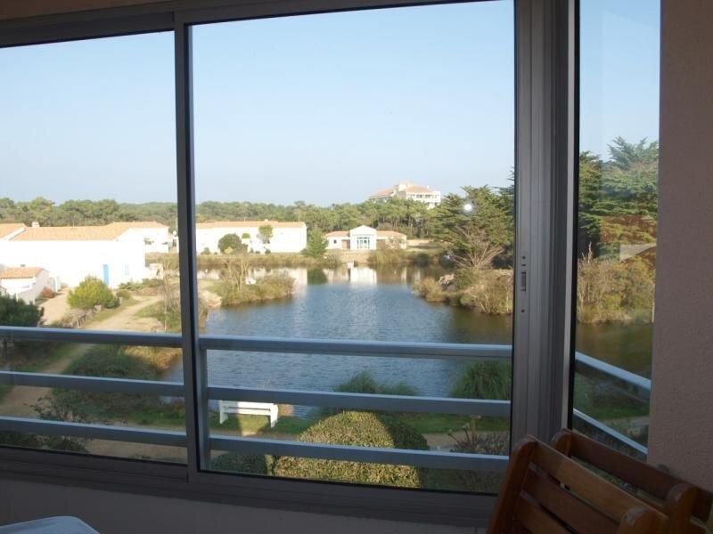 LOCATION APPARTEMENT SAINT JEAN DE MONTS QUARTIER DU GOLF AU CALME T2 MEZZANINE, vacation rental in Saint-Jean-de-Monts