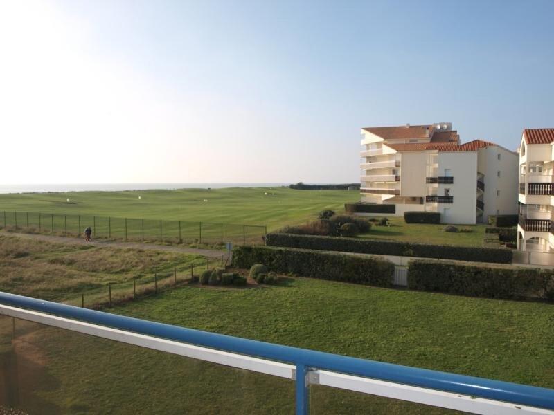 Quartier résidentiel du Golf - Appartement tout confort pour 3 à 4 personnes, vacation rental in Saint-Jean-de-Monts