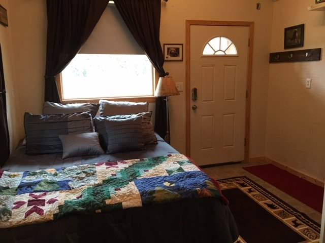Cabin Rentals and RV Hookups, casa vacanza a Clam Gulch
