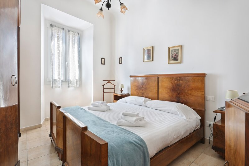 LEGRAZIE apartments in BEST location of Florence!-Hosted by Sweetstay, holiday rental in San Martino alla Palma
