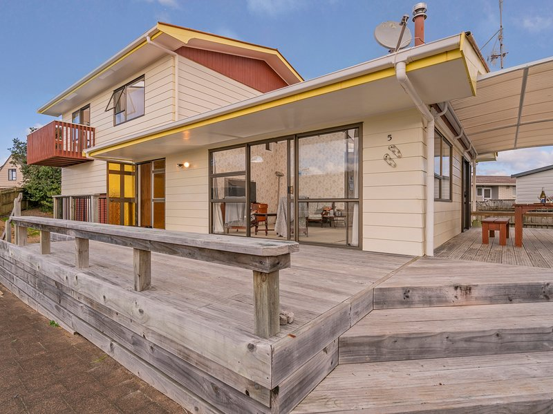Pleasant Pauanui - Pauanui Holiday Home, Pauanui, vacation rental in Thames