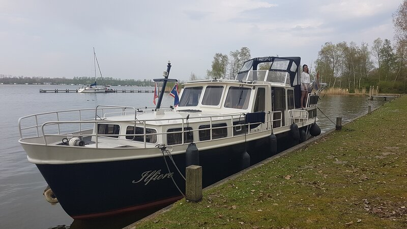 Motorboat near Amsterdam, vacation rental in Zuiderwoude