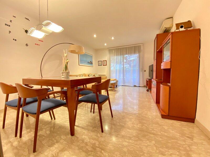 Apartamento Rambla Tarragona, holiday rental in Les Masies Catalanes