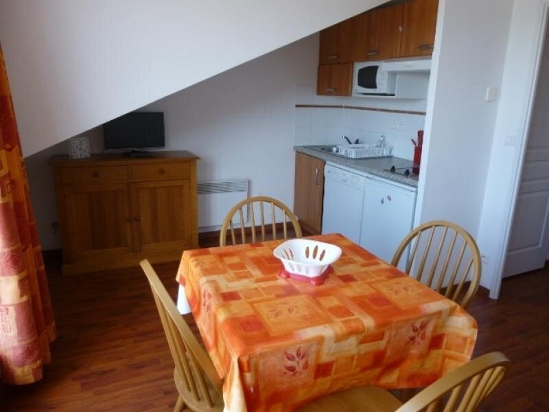 APPARTEMENT T1 DANS RÉSIDENCE PROCHE PISTES, holiday rental in Merens-les-Vals