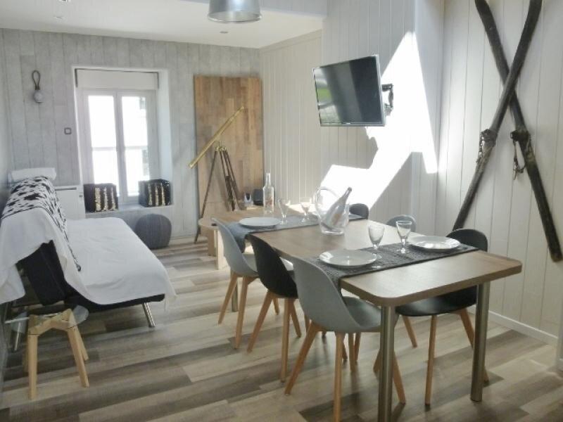 BEAU T3  DE STYLE CONTEMPORAIN AVEC WI FI, location de vacances à Ax-les-Thermes
