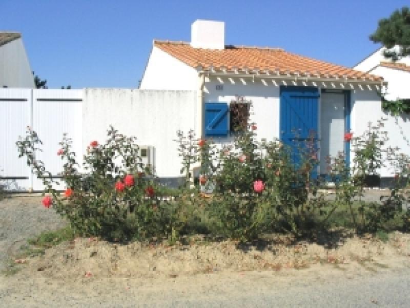 LES FERMES MARINES - TYPE 2 - PISCINE CHAUFFEE ET TENNIS COLLECTIFS - COMMERCES, location de vacances à Bretignolles Sur Mer