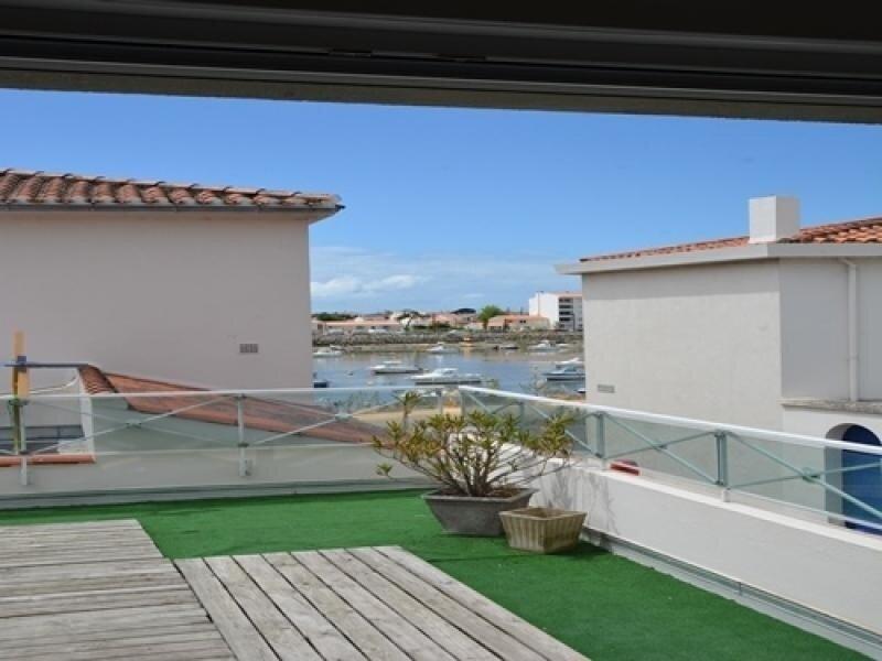 Saint Gilles - au coeur du vieux st gilles avec une terrasse exposée sud ouest, vacation rental in Croix-de-Vie