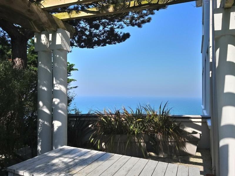 DONVILLE LES BAINS VILLA DE CARACTERE AVEC VUE SUR MER, holiday rental in Manche