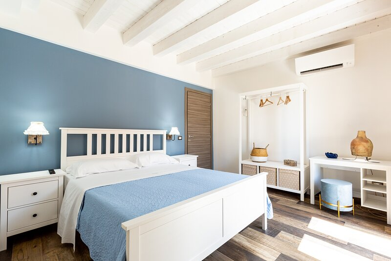 BnB Sant'Alfonso room ATHENA, vacation rental in Joppolo Giancaxio