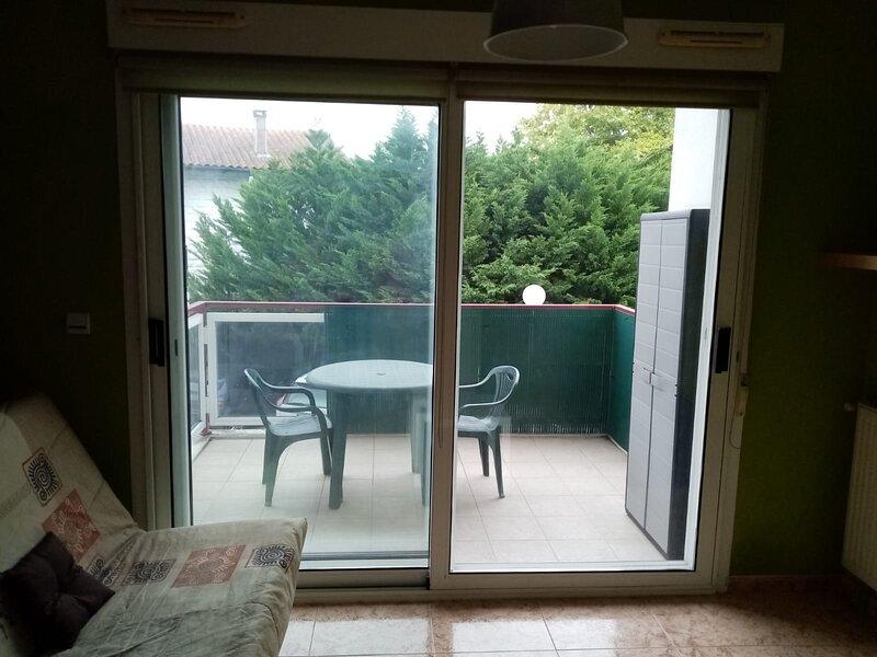 Apartamento para 2 personas, holiday rental in Irun
