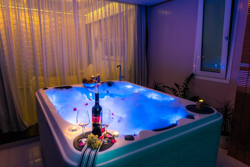 Pervolia - Private luxury Jacuzzi suite – semesterbostad i Rhodos