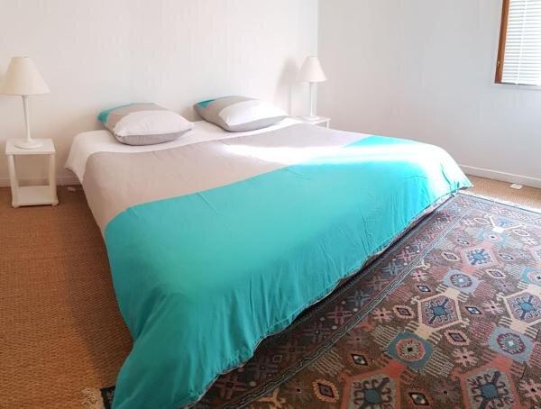 MAISON DE VILLE INDÉPENDANTE de 44m2 Gîte My Bastide, location de vacances à Villeneuve d'Aveyron