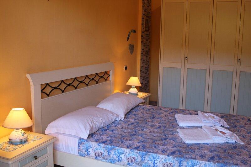 SardiniaBNB Casa Azzurra, holiday rental in Simius