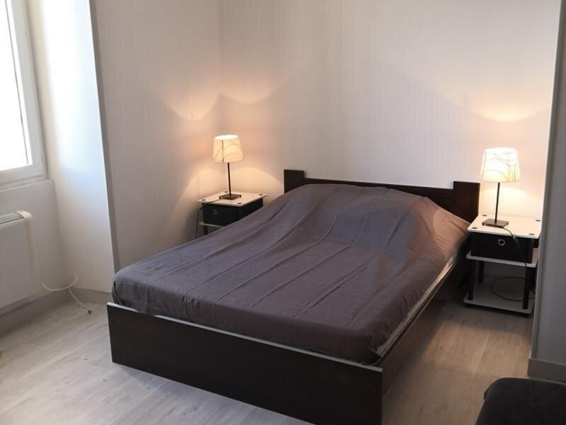 Appartement en face des Thermes du Saint Roch à LA ROCHE POSAY., location de vacances à La Roche-Posay