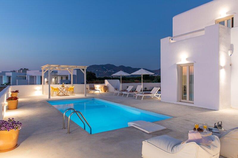 Naxian Lounge Villas | Villa I with private pool, holiday rental in Glinado