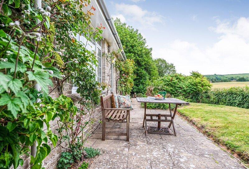 Greygles, holiday rental in Winterborne Whitechurch