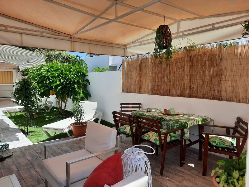 Bungalow 2-4 Playa de Ingles, vacation rental in Gran Canaria