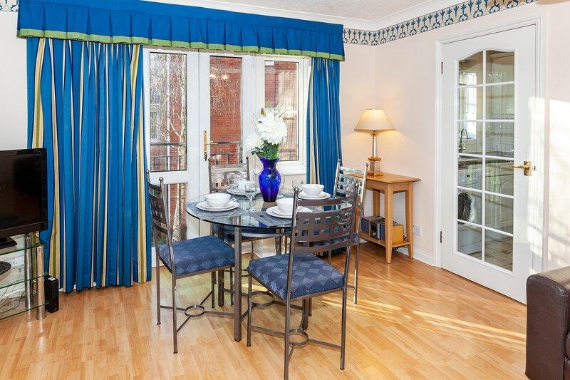2 bedrooms 2 baths in a quiet neighborhood, holiday rental in Basingstoke