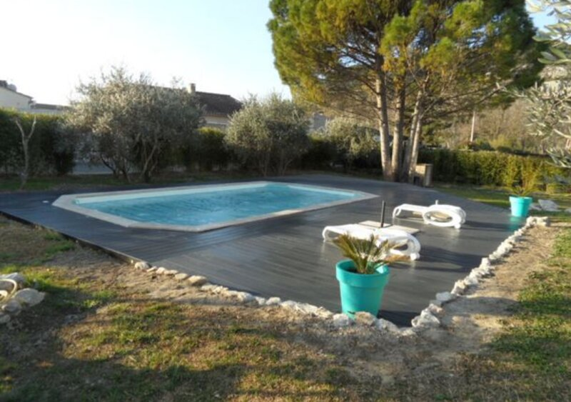 Amazing apartment with shared pool, holiday rental in Noves