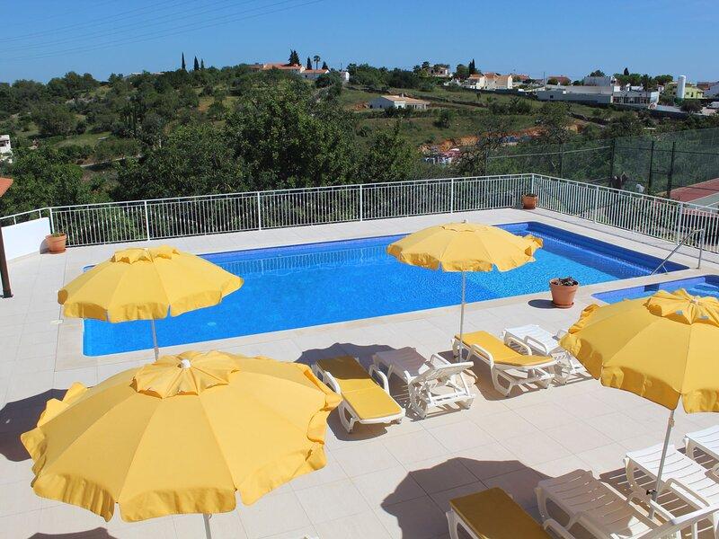 Nuno (PAD135), holiday rental in Cerca Velha