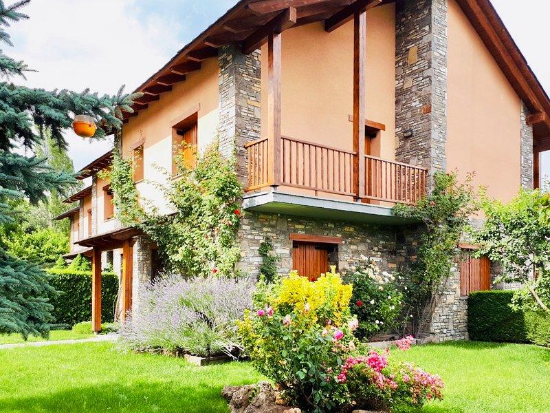 CASA VACACIONES RELAX EN SAGA, LA CERDANYA, holiday rental in Palau-de-Cerdagne